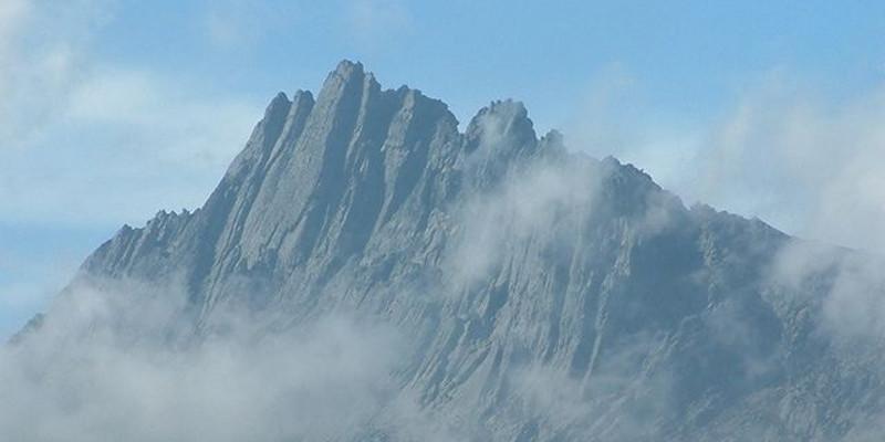Der Puncak Jaya (Carstensz-Pyramide)
