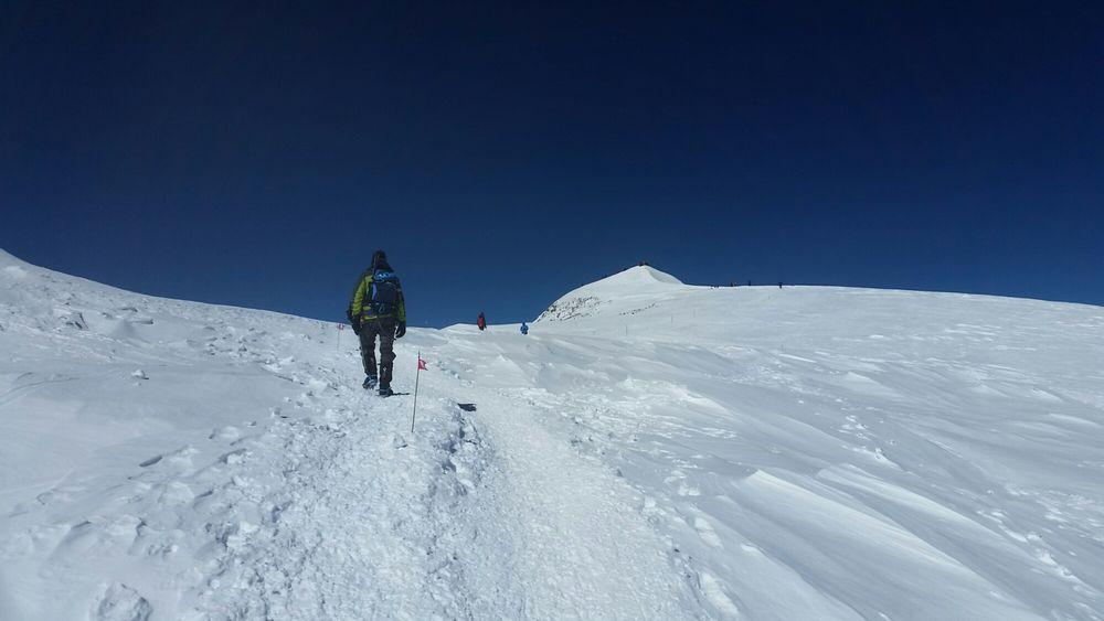Bild: Letzte Meter beim Aufstieg zum Westgipfel des Elbrus - 7summits4help