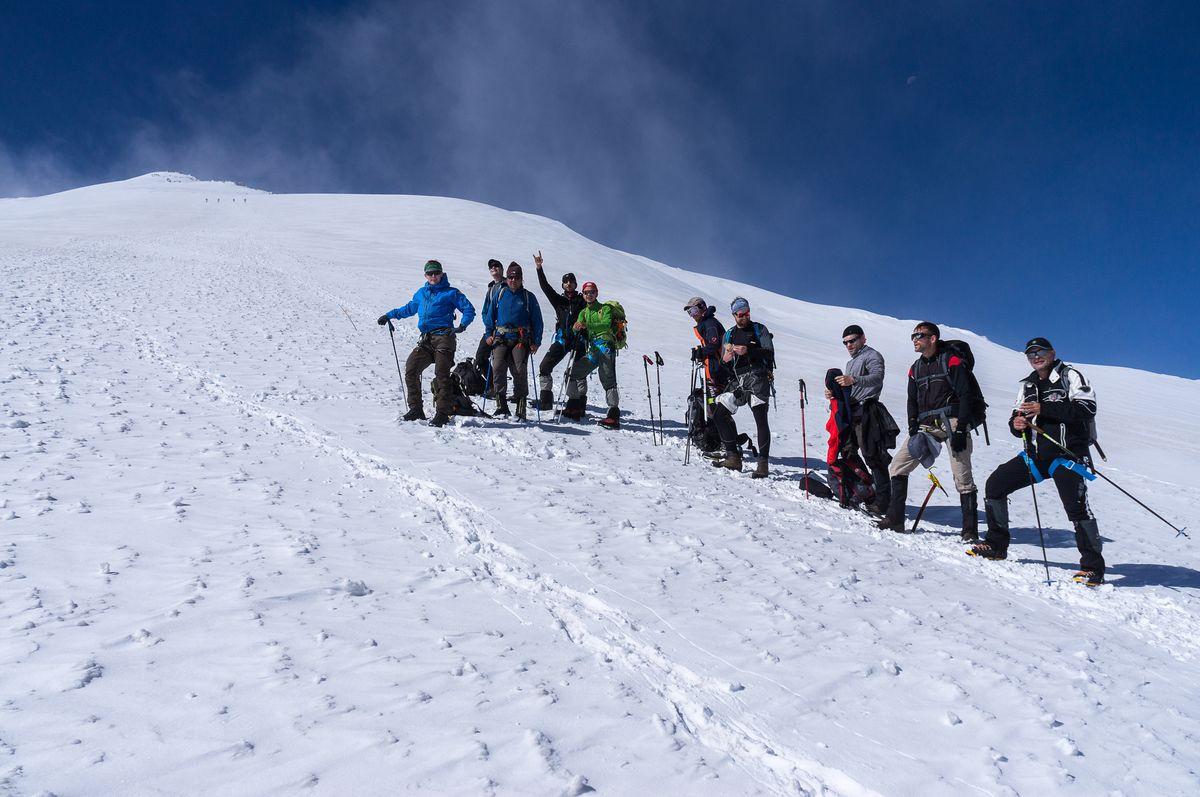 Kurze Rast in der Akklimatisierung zum Elbrus West-Gipfel 2016