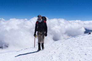 Nicolas Scheidtweiler auf dem Weg zum Elbrus-Westgipfel am 28. Juli 2016