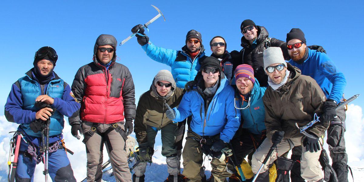 Das Team auf dem Westgipfel Elbrus - 7summits4help