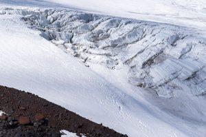 Blick auf den Gletscher zum Fuß des Elbrus
