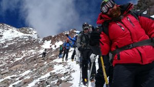 Abstieg vom Gipfel des Aconcagua