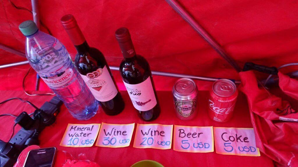 Getränke zum Kauf im Basecamp Plaza Argentina - Aconcagua 2016 7summits4help