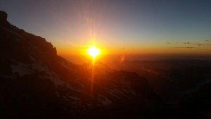 Der Sonnenuntergang am Ende eines langen Gipfeltages