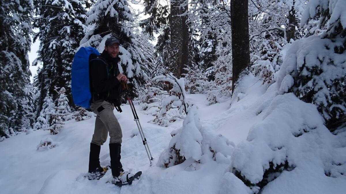 Aufstieg in Schneeschuhen