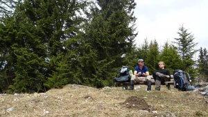 Pause unter dem Kreuzeckhaus mit Nicolas und Toby