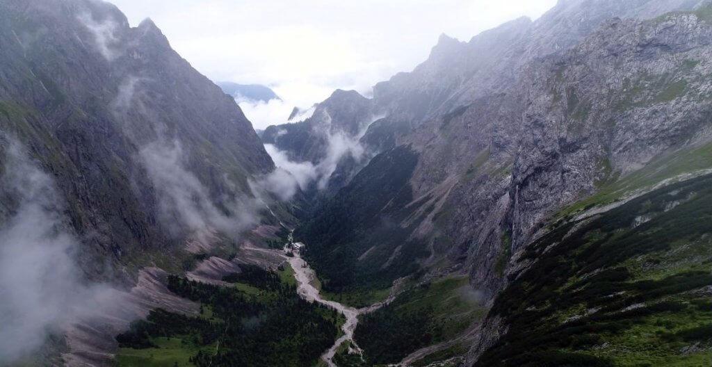 Blick in den Höllentalanger - Zur Zugspitze via Höllental über Klettersteig - 7summits4help-Blog