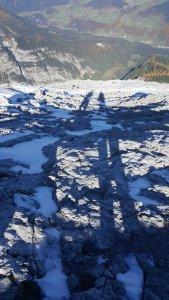 Bergsteiger-Schatten beim Abstieg