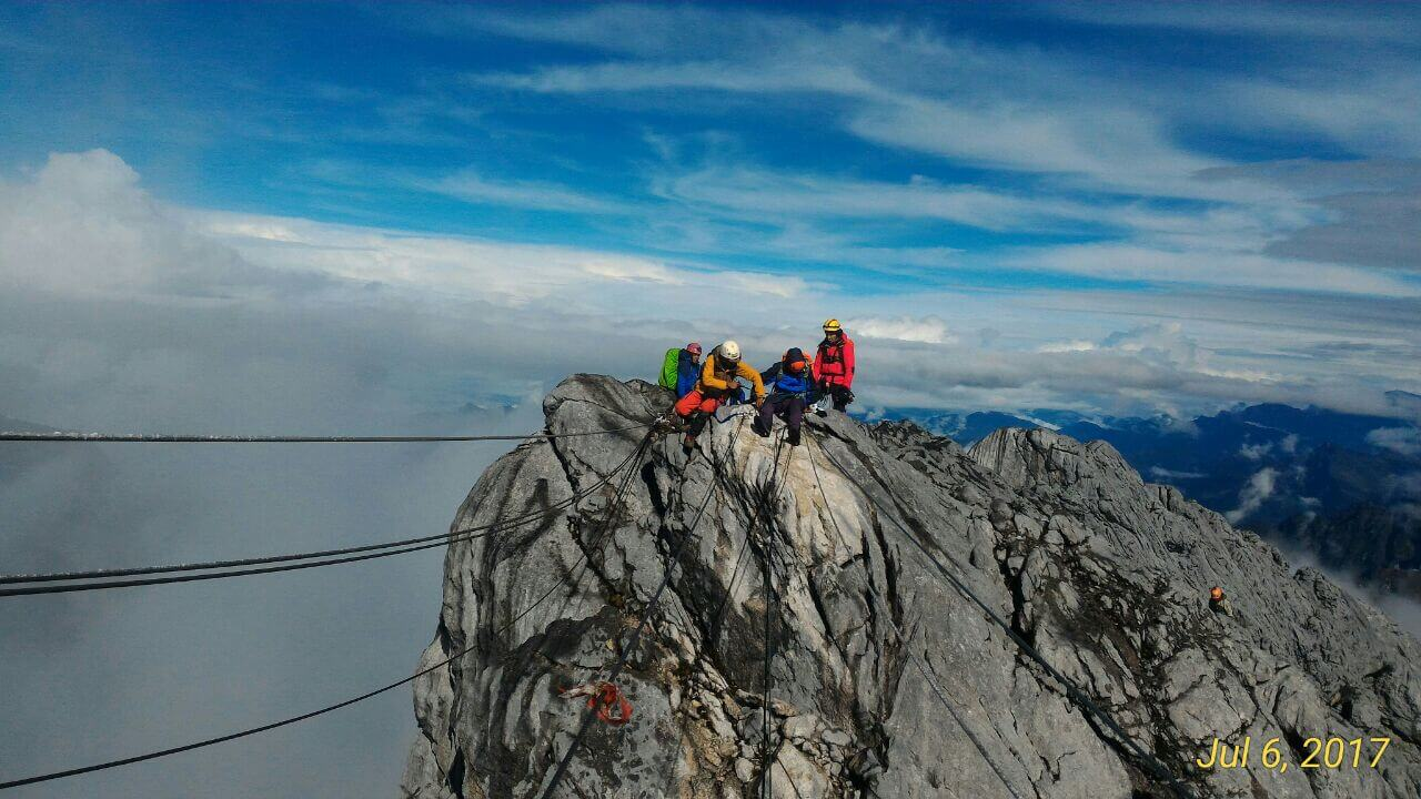 Carstensz-Pyramide_7summits4help-Fundraising