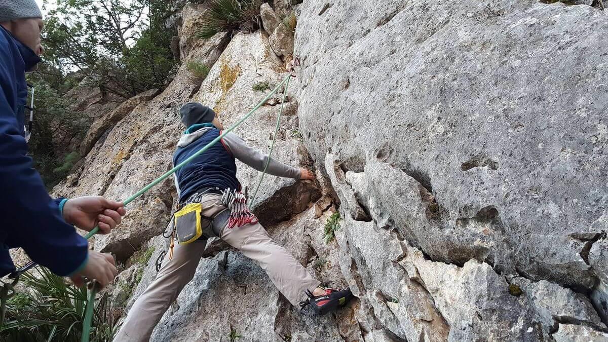 Toby beim Einstieg in Rocca Bella