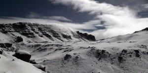 4:30 Uhr: Blick vom Gilmans Point auf den Uhuru Peak