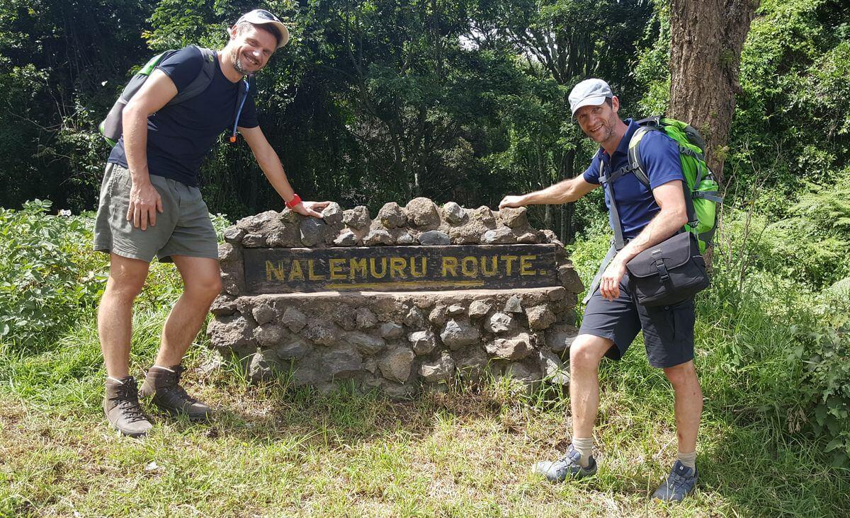 Tjalf und Nicolas beim Start am Nalemuru-Gate