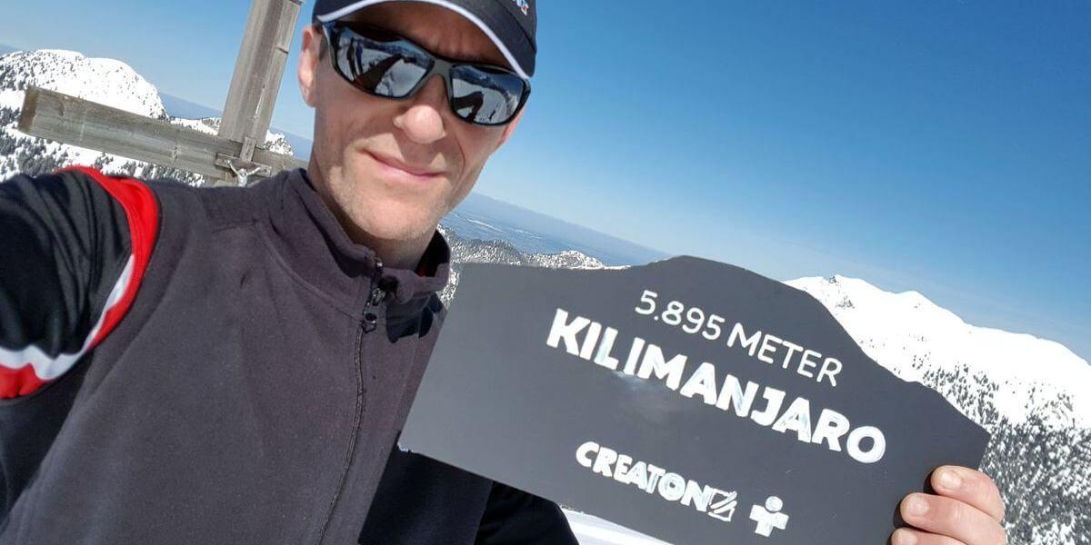 Nicolas Scheidtweiler mit Welt der Dächer auf dem Ochsenälpeleskopf - 7summits4help Fundraising