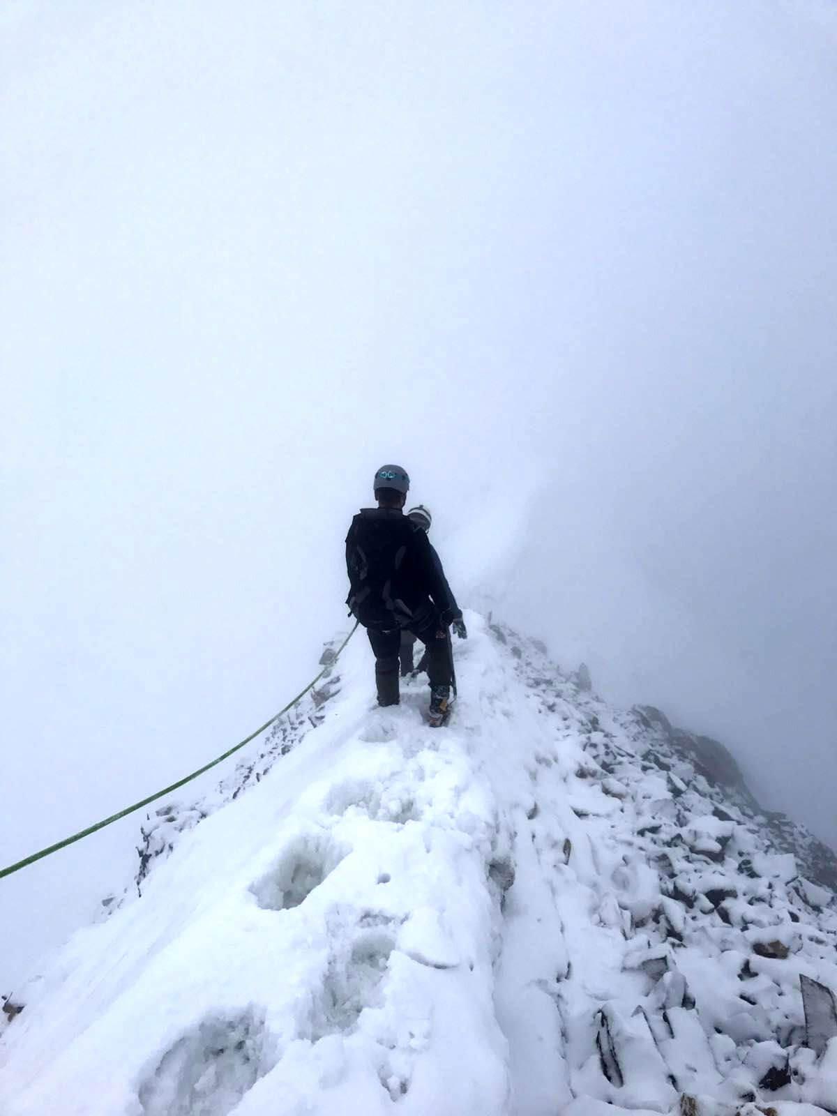 Abstieg über den Gipfelgrat der Königsspitze