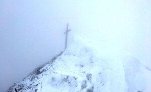Die Königsspitze im Nebel