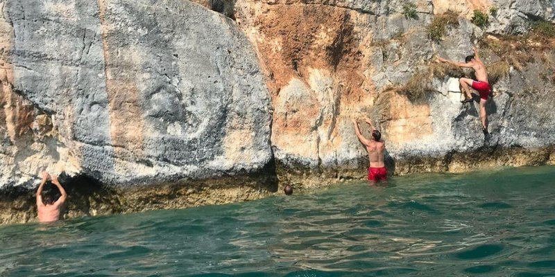 Deep Water Soloing am Lac d'Annecy - Klettern in Frankreich