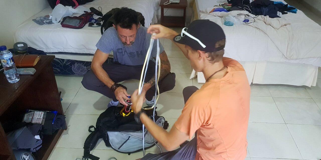Check der Ausrüstung -Carstensz-Expedition - Es geht los in Papua