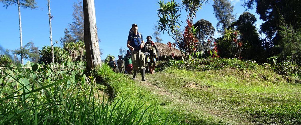Abmarsch in Illaga - Carstensz Expedition nach Papua