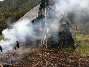 Noch gewöhnungsbedürftig: Der Rauch im Kochzelt