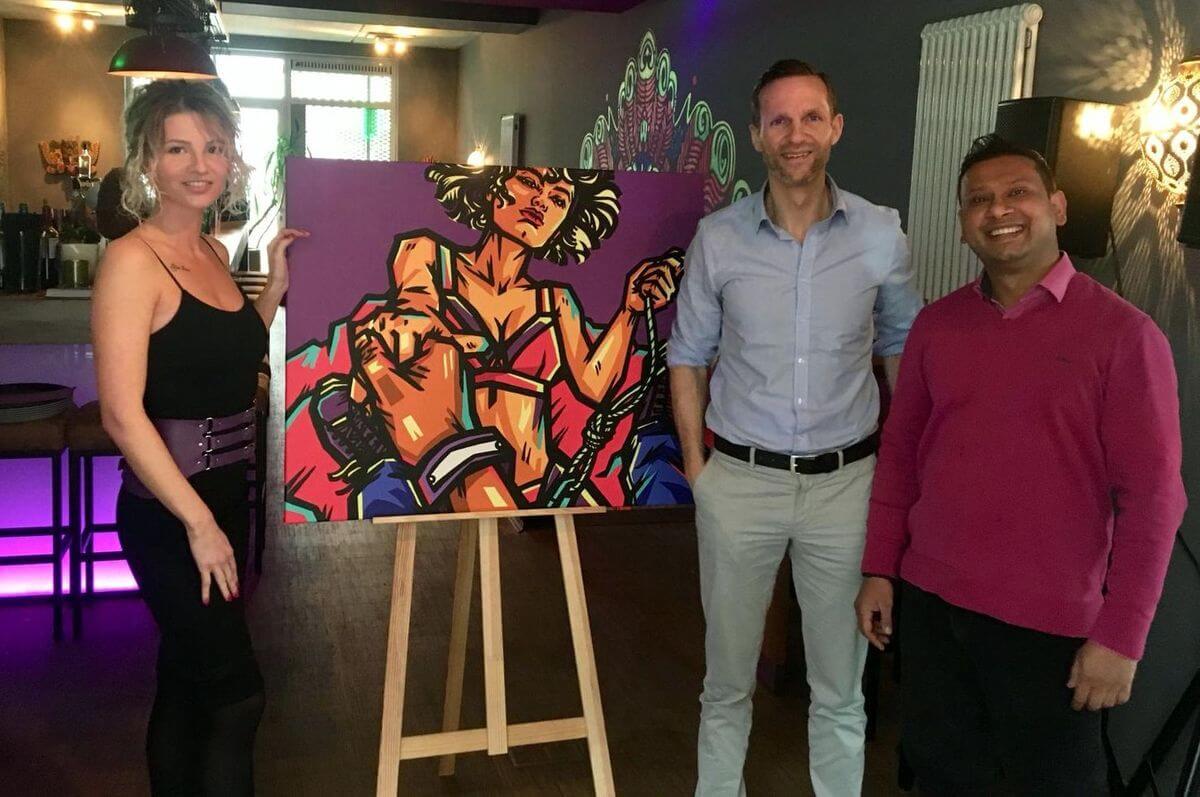 Mit Sandra Kowalski und Subry vor der Eröffnung