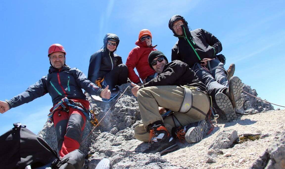 Das 7summits4help-Team auf dem Carstensz-Gipfel