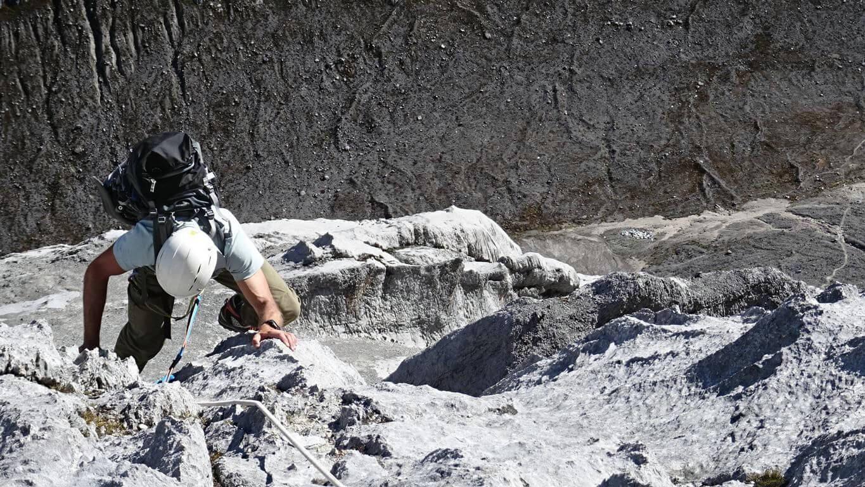 Scheidtweiler auf dem Weg zum Carstensz-Gipfel