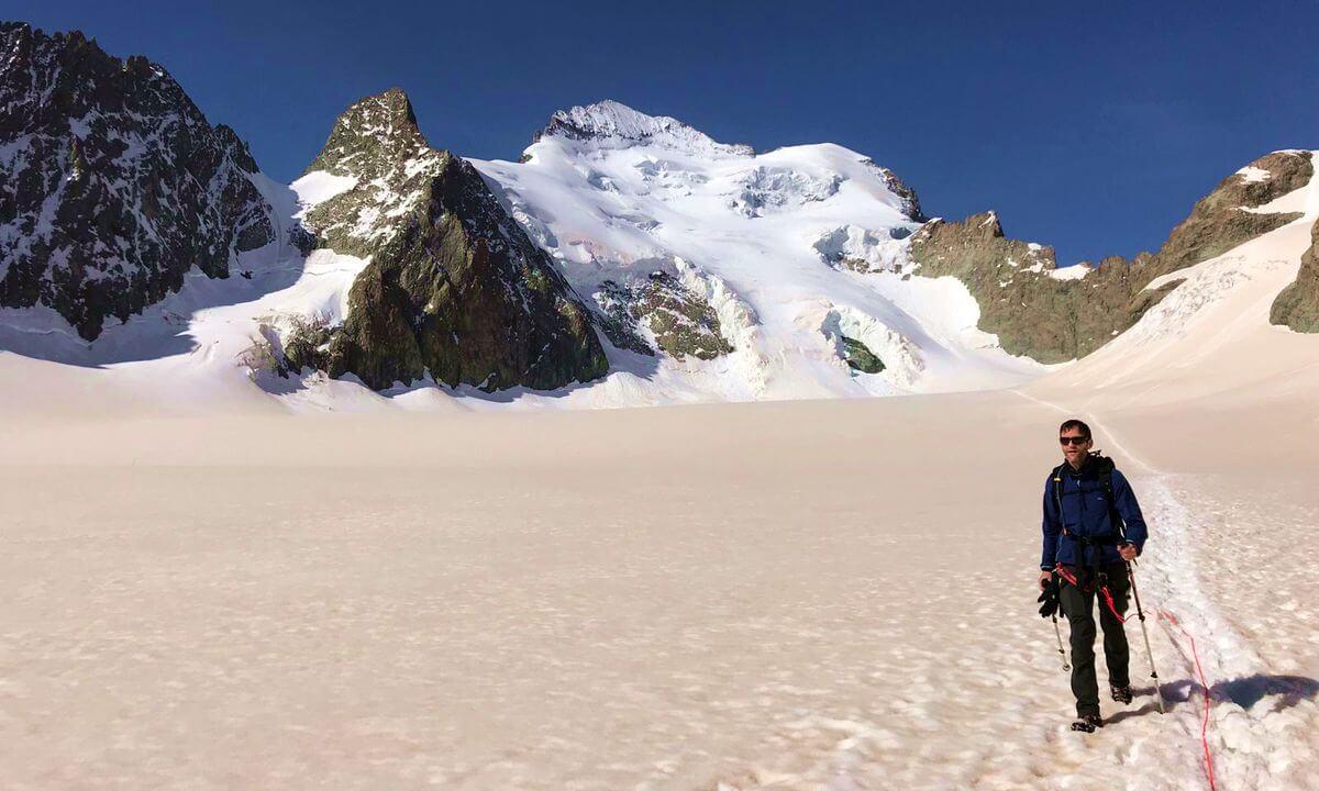 Abstieg vom Barre des Éscrins - Nicolas Scheidtweiler von 7summits4help, Foto: Michi Wohlleben
