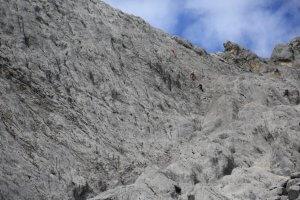 Mit Jenny in der Wand zum Grat der Carstensz-Pyramide