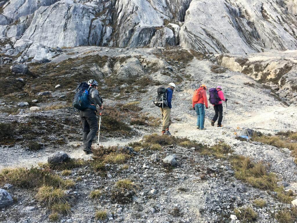 Zustieg zur Carstensz-Pyramide